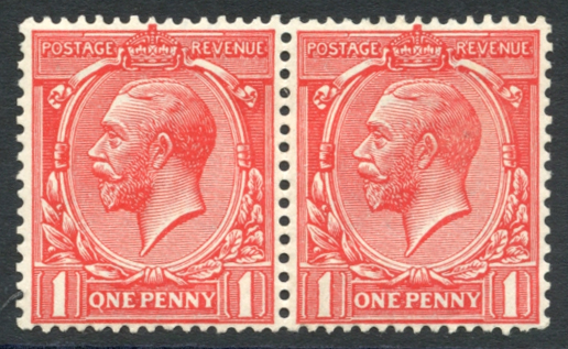 1912 1d bright scarlet horizontal pair incl. variety 'Q' for 'O', SG.357a.