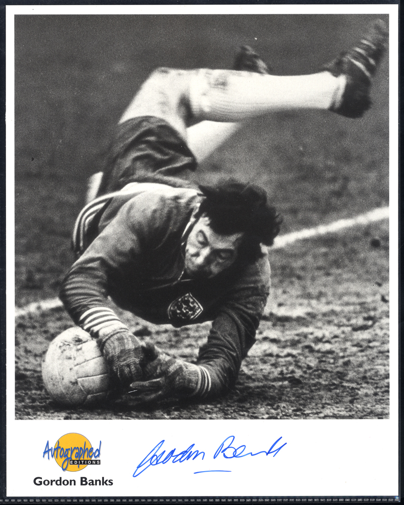 FOOTBALL - ENGLAND GOALKEEPERS Gordon Banks, Peter Bonetti, Peter Shilton & David Seaman - four signed photographs